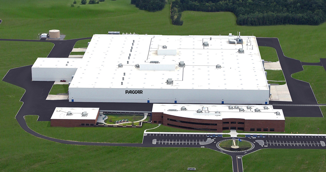 PACCAR Celebrates 10-Year Anniversary of Engine Manufacturing in North America